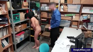 Arab Shoplifter Takes Off Clothes and Broken By Lp Officer